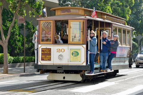 pict-San Francisco Cable Car.jpg