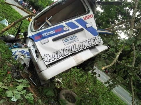pict-ambulance killed in Lampang2.jpg