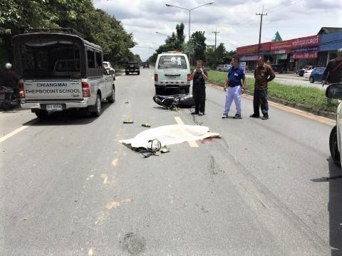 pict-road accident on Chiang Mai-Maejo Road, .jpg